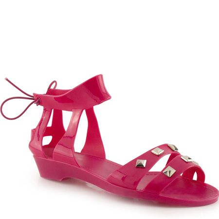 """<p>How cute are these pink jelly sandals? Perfect for parading on pebbles!</p><p>£15, <a target=""""_blank"""" href=""""http://www.barratts.co.uk/webapp/wcs/stores/servlet/Product1_10055_-1_148513_10553"""">www.barratts.co.uk</a></p>"""