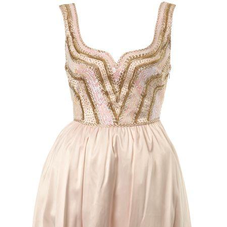 "<p>How cute is this prom dress with an embellished bodice? Very. Get it now! </p><p>£69, <a target=""_blank"" href=""http://www.missselfridge.com/webapp/wcs/stores/servlet/ProductDisplay?catalogId=20555&storeId=12554&categoryId=129984&parent_category_rn=70074&productId=1789536&langId=-1&siteID=0RpXOIXA500-cybFsg983dL64fntm7sh6Q&cmpid=lshare1"">www.missselfridge.com</a></p>"