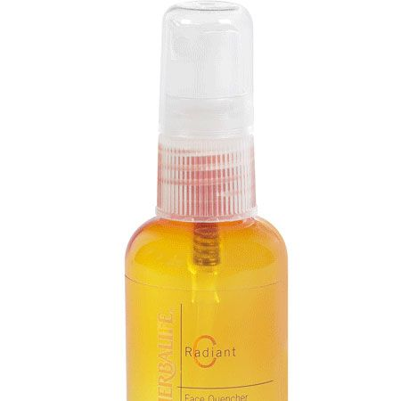 <p>This lovely facial mist is packed with Vitamin C and antioxidants and instantly cools you down whilst rehydrating the skin. Perfect for flights and cooling you down in the heat. Plus it makes makeup look fresher for longer</p>