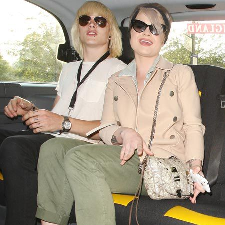 Kelly Osbourne and fiance Luke Worrall were spotted in a black cab after enjoying a romantic meal at posh eatery Nobu...  <br />