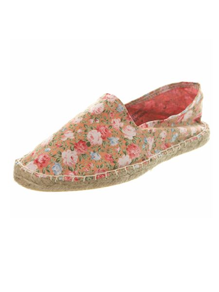 """<p>Not enough time to get a pedicure this week? Ensure your feet stay cool in these floral espadrilles from Miss S.</p>  <p>£12 <a href=""""http://www.missselfridge.com/webapp/wcs/stores/servlet/ProductDisplay?beginIndex=120&viewAllFlag=false&catalogId=20555&storeId=12554&categoryId=101447&parent_category_rn=70074&productId=1832588&langId=-1"""">www.missselfridge.com</a></p>"""