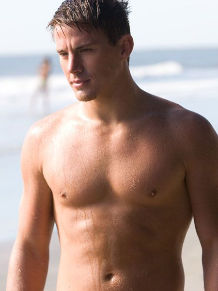 <p>Yes, this toned torso belongs to the American actor and our hearts belong to him now!</p>