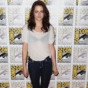 Kristen went ultra-cas at this red carpet event&#x3B; donning the skinniest skinnies, beaten-up converse and a sheer white Tee (complete with black bra), she managed to make looking under-dressed extremely cool. A bit edgy and a bit Kristen, this is a look we WISH we could pull off as well as her!