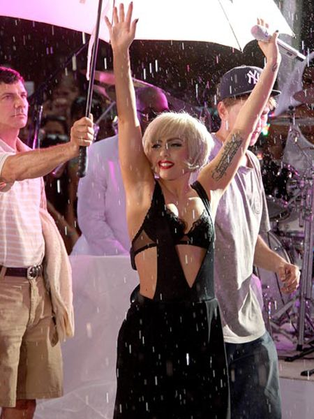 <p>Click on to see the celebs adoring and avoiding the paps this week...<br /><br /></p><p><strong>Left: </strong>Ever the professional, Lady GaGa performed in the pouring rain as she appeared on NBC's 'Today Show Concert Series' in New York city....<br /></p><p> </p>  <p> </p>