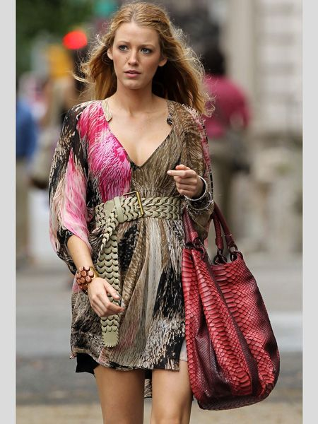 <p>When we spotted this snap of the actress shooting the latest series of Gossip Girl in New York we drooled over her DVF dress. Take note of the hanging waist belt and supersize slouchy bag - it seems we'll all be wearing them next season</p>
