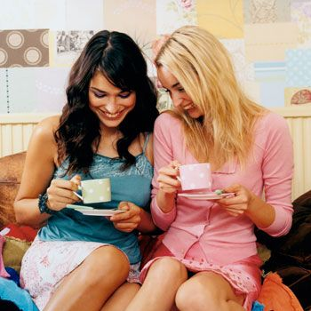 <p>From meeting a guy or setting up your online dating profile, to that first kiss and maybe more, dating is full of minefields. Here's some of the top advice you need before taking the plunge.</p>