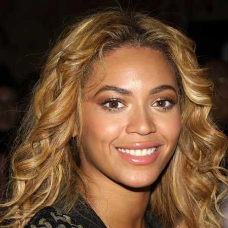 <p>Check out Cosmo's hair timeline of the beautiful, booty-shaking Beyonce Knowles!</p>