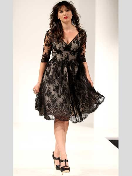 <p>Daisy Lowe is never one to let a trend pass her by and this lace LBD looks gorgeous on her </p>