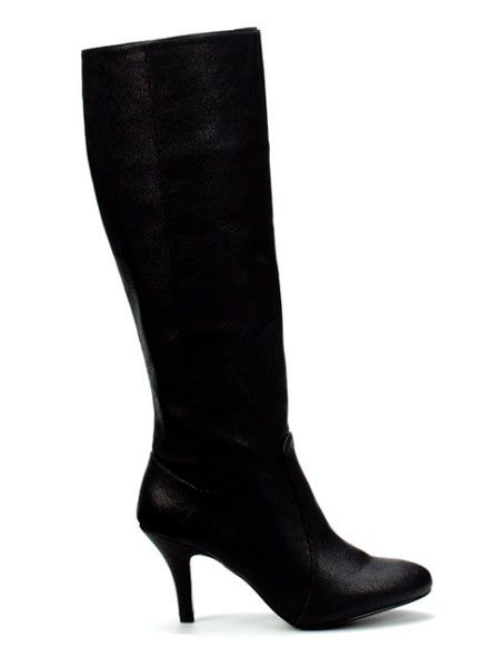 """<p> Every gal needs a basic black boot in their shoe collection, we're opting for this one<br /></p><p>£29.99, <a target=""""_blank"""" href=""""http://www.zara.com/webapp/wcs/stores/  servlet/product/uk/en/zara-sales/11024  /14676/BOOT%2BWITH%2BMEDIUM%2BHEEL"""">zara.com</a></p>"""