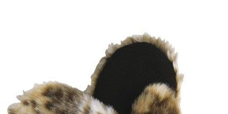 """<p>The big chill is finally settling in, we've been digging out all last years winter accessories and of course shopping for new updated ones too! Here are our favourite... </p><p> </p><p>Left: Apres ski or apres work, we'll be wearing these whenever we get a chance... we'd wear them to work but there would be difficulties when typing</p><p> </p><p>£8, <a target=""""_blank"""" href=""""http://www.very.co.uk/fur-leopard-mitten/78902%20%209117.prd?browseToken=%2fb%2f1589%2fs%2fnewin%2%20%20c0%2fo%2f11%2fr%2f100%2fpromo%2f28800029&prdTo%20%20ken=/p/prod4682611-sku7109949&aff=buyat&affsrc%20%20=home&cm_mmc=buyat-_-affiliate-_-na-_-deeplink"""">very.co.uk </a><br /></p>"""