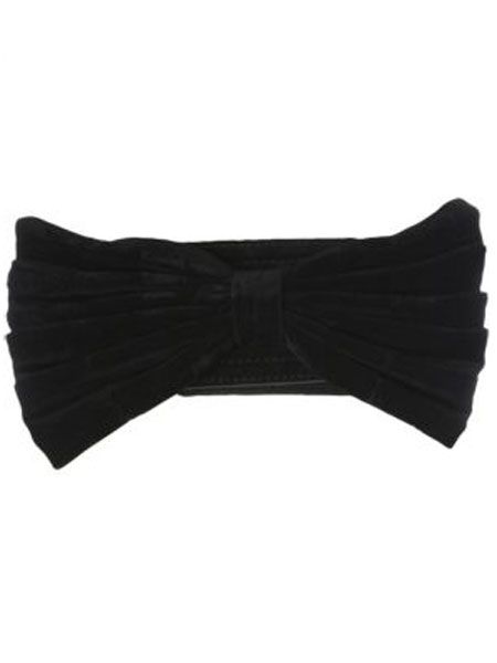 """<p>Gaga made bows fashionable ever since she wore that oversized one on her head, wear this one round your waist for a simple, yet sexy, look<br /></p><p> </p><p>£6, <a target=""""_blank"""" href=""""http://www.newlook.com/shop/womens/accessories/velvet-bow-stretch-belt_200651501 """">newlook.com</a><br /><br /></p>"""