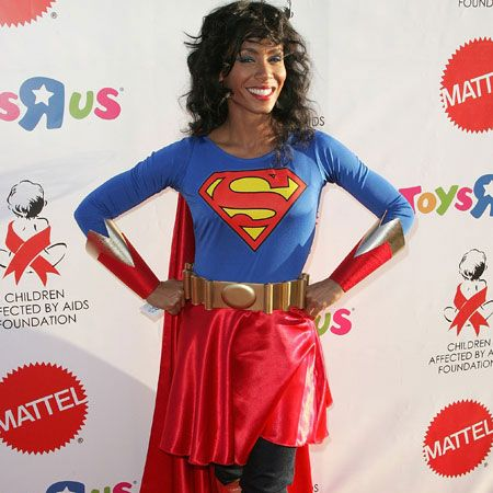 <p>Being the super mum that she is, Jada couldn't have picked a more suitable ensemble. Although we'd prefer it if her superman was around too<br /><br /></p>