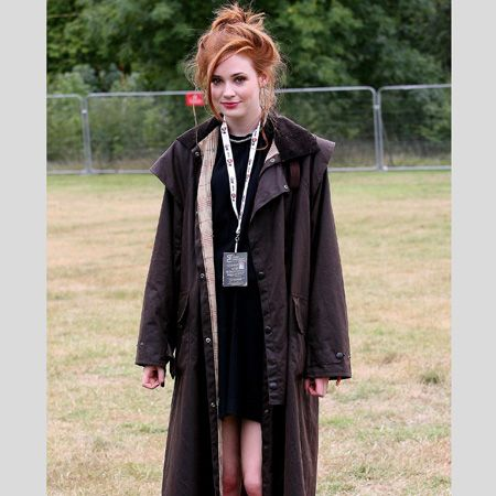 Karen Gillan was at one with nature at this year's V festival in a long wax jacket and earthy toned brogues