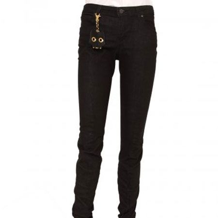 """<p>Shopping for jeans is supposed to be stressful but with Cosmo's guide to the best denim on the high street, it'll be a breeze to find the perfect pair for you!</p><p> </p><p><strong>Left:</strong> Vivienne Westwood has teamed up with Lee jeans to create these gorgeous black skinny jeans and you get a cute keyring with them too, bonus! </p><p> </p><p>£85, <a target=""""_blank"""" href=""""http://www.hervia.com/vivienne-westwood-ladieswear-c1/vivienne-westwood-trousers-skirts-c27/vivienne-westwood-anglomania-lee-denim-bent-jean-super-black-p1241"""">hervia.com </a><br /></p>"""