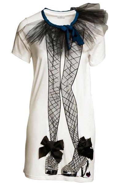 <p>J'adore this signature white tee with a Lanvin twist, it's sure to get you noticed!  </p><p> </p><p>Picked by Clare Smith, Fashion Assistant <br /></p>