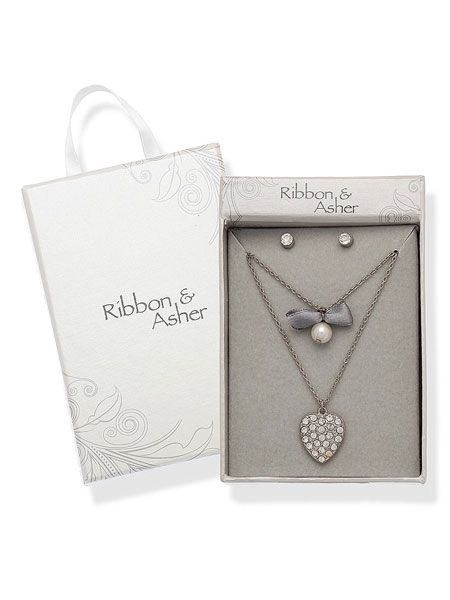 "This sparkling Ribbon & Asher jewellery will make the perfect decorations for our LBDs this Christmas <p> </p><p>£12.50, <a href=""http://www.dorothyperkins.com"" target=""_blank"">dorothyperkins.com</a></p>"