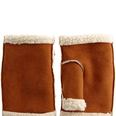 """With the snow settling these sheepskin palm warmers are perfect to avoid frostbite, whilst staying on trend with their furry feeling <p> </p><p>£12, <a href=""""http://www.asos.com/Asos/Asos-Tailored-Peter-Pan-Collar-Dress/Prod/pgeproduct.aspx?iid=1360530&cid=8799&Rf-400=53&sh=0&pge=0&pgesize=20&sort=1&clr=FoxBlack"""" target=""""_blank"""">asos.com</a></p>"""