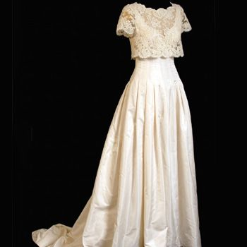 <p><strong>Designer: Bruce Oldfield</strong> </p>