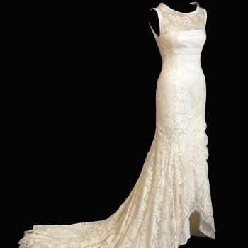 <p><strong>Designer: Bruce Oldfield </strong></p>