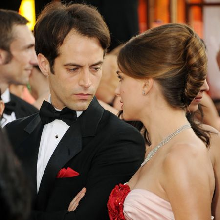 A blooming Natalie Portman took to the red carpet in a petal pink Viktor and Rolf dress. Her beau, Benjamin Millepied matched his pocket square to the scarlet rose on Natalie's dress. How romantic! The pair met on the set of Black Swan which Millepied choreographed and are now engaged and expecting their first baby