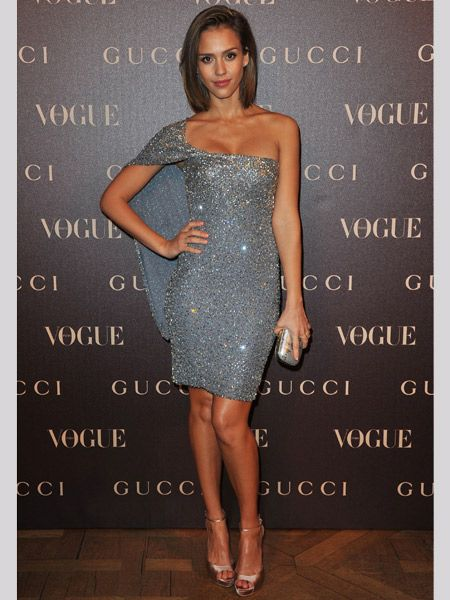 Tinseltown came to Paris last night in the form of Jessica Alba and her twinkling asymmetric dress. Attending a dinner hosted by French Vogue in honour of Gucci designer Frida Giannini, Jessica donned an outfit by the designer du jour and proved her worth amongst the couture crowds. Is she a welcome addition on the fashion circuit?
