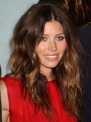 <p>Shaggy waves, oodles of volume and a slick centre parting combined with a glimmer of golden brown transforms Jessica Beil into a bona fide beach babe</p>