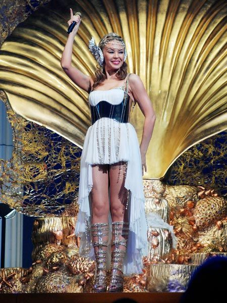 <p>Kylie Minogue looked every inch the Greek goddess as she performed in Milan as part of her Aphrodite world tour...</p>