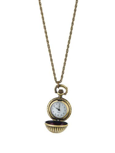 "<p>Who wears a watch these days!? Tell the time in style with Dorothy Perkins' gold engraved clocket necklace.</p><p>£18, <a href=""http://www.dorothyperkins.com/webapp/wcs/stores/servlet/ProductDisplay?beginIndex=0&viewAllFlag=&catalogId=33053&storeId=12552&productId=2228992&langId=-1&sort_field=Relevance&categoryId=208724&parent_categoryId=208607&pageSize=20 ""target=""_blank""> dorothyperkins.com </a></p>"