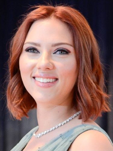 <p>The latest in a long line of celeb redheads is ScarJo who has chosen deep auburn tones for her new 'do. It's not the first time she's been a Scarlett, ahem, lady - but it's quite a change from her last look which was sun-kissed blonde. Wonder if Sean Penn approves?</p>