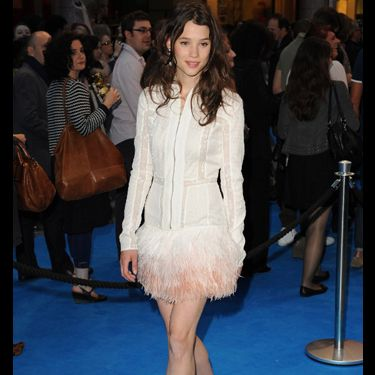 <p>The stunning French actress worked the blue carpet in a gorgeous Maxime Simoens dress, rightly showing off those trim pins in a fabulous pair of Rupert Sanderson's new Estelle shoes. Jealous... us?</p>