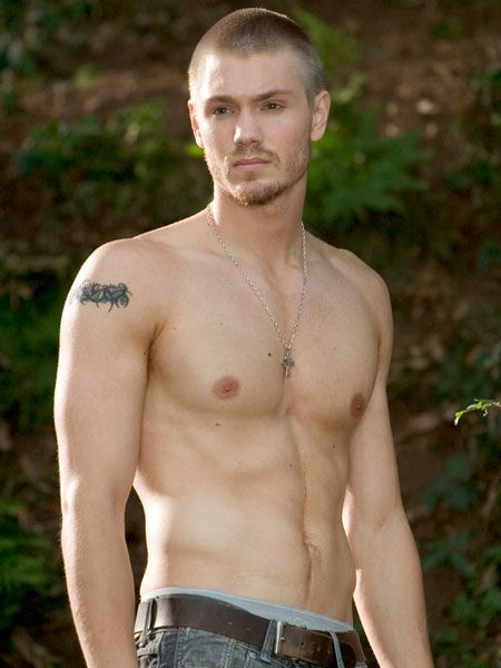 In this semi-naked shot it's not hard to see why the <em>One Tree Hill </em>hottie has posed for Tommy Hilfiger and Gucci - he is perfection personified.  <br />