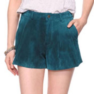 <p>Leather shorts for under 20 quid? Yep. And they come in a selection of cool colours. Want, want, want! Good work, Forever 21</p>
