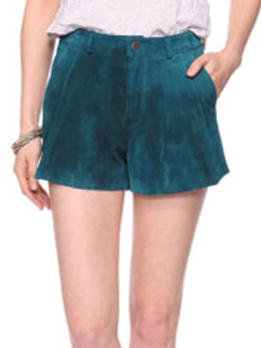 "<p>Leather shorts for under 20 quid? Yep. And they come in a selection of cool colours. Want, want, want! Good work, Forever 21</p>  <p>£19.75, <a href=""http://www.forever21.com/UK/Product/Product.aspx?BR=f21&Category=whatsnew_all&ProductID=2070220928&VariantID="">forever21.com</a></p>"