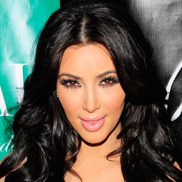 <p>Kim K LOVES her lashes long and strong. Like her glossy hair, they're a real statement meaning she can keep the rest of her makeup pared down and still look fully made-up.
