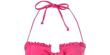 7eb39fa185 <p>Kelly Brook knows good beach form. Like her bod, her swimwear