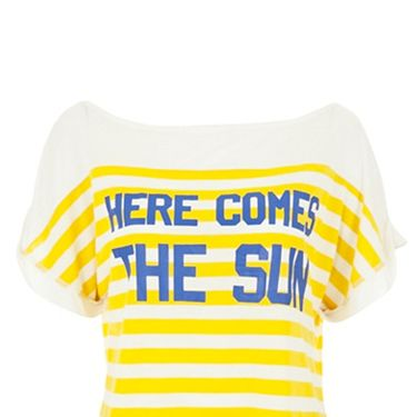 <p>We think it's near  impossible not to fall head over heals for this cute summer tee </p>