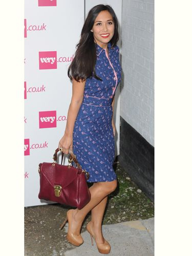 """<p>Myleene Klass always looks gorgeous and she didn't disappoint at Fearne Cotton's <a href=""""http://www.very.co.uk/women/fearne-cotton/e/b/1589,4294954879/s/newin,0.end"""">very.co.uk</a> show in this printed dress. She teaches us that the best way to accessories is to match your lipstick to your handbag</p>"""
