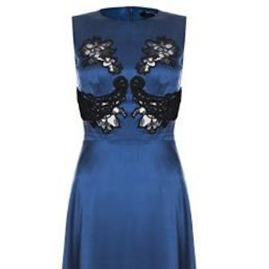 """Need some pretty dresses to cure the bad weather blues? <a name=""""napl"""" href=""""#napl"""" onClick=""""window.open('https://www.cocosa.com/')&#x3B;"""">Cocosa.com</a> are hosting a Marios Schwab sale on the 21st September at noon to mark the end of London Fashion Week. Use the invite code 'shopluxury' to access the sale straight away and pick up something utterly gorgeous for a fraction of the price!"""