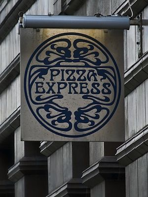 """Fancy dining out this week for a little less? Of course you do! Make sure to visit Pizza Express and score a pizza for £2 with any main course. All you need to do is visit <a name=""""napl"""" href=""""#napl"""" onClick=""""window.open('http://www.pizzaexpress-offers.co.uk/?s=1&cc=PE_201110303W_CECWFWCSOFFBMOA NNA_A&email=KAYLESDRAY%40HOTMAIL.COM&title=Miss&forename=Kayleigh&surname= Dray&utm_source=ECOS&utm_medium=email&utm_campaign=20111030_PizzaExpress_B A_Pizzafor2_Active') ;"""">PizzaExpress.co.uk</a> to get your exclusive voucher."""