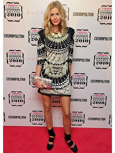 Donna Air is quite the style maven! We love the wild, patterned dress she wore to the 2010 Cosmopolitan Ultimate Women of the Year Awards, and her hair - tres gorgeous!