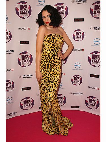 """Hurrah! Jessie J shows us why we chose her to be our December cover star. Doesn't she look ravishing in her yellow leopard print frock. She really has made the big-time and we couldn't be more thrilled –   <a href=""""http://www.cosmopolitan.co.uk/Jessie_J_Cosmo_cover_shoot_December_2011_issue_Cosmopolitan_?click=cos_new"""">SEE JESSIE J'S COSMO COVERSHOOT VIDEO</a></p>"""