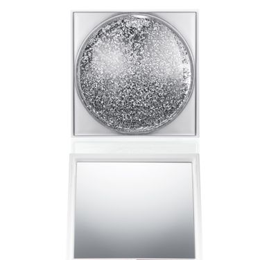 """<p>There's a snow storm going on over at MAC and everything's capped with ice. Ooh, we love it! Beauty powder is called Snowglobe and paint pots in Morning Frost. This is one er, cool, collection! </p><p><A HREF=""""http://www.maccosmetics.co.uk/whats_new/7549/Glitter-and-Ice/index.tmpl """" TARGET=""""_blank"""">maccosmetics.co.uk</A> </p>"""