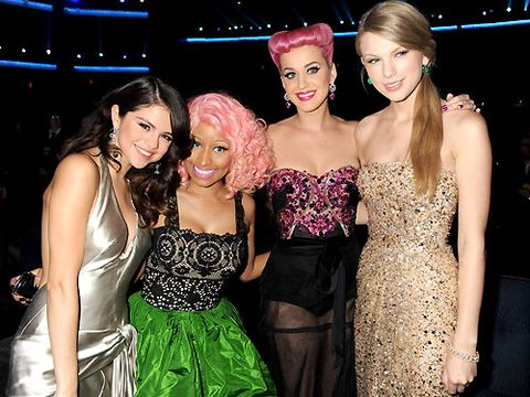 It was female domination at last night's American Music Awards. Nicki Minaj, Taylor Swift, Katy Perry and Selena Gomez spent all night almost joined at the hip.
