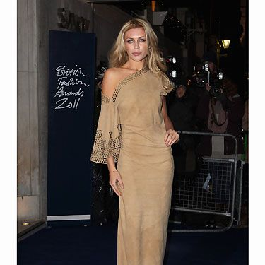 Abbey chose not to stay in and watch Desperate Scousewives, instead she donned a pretty frock for the British Fashion Awards - good choice!