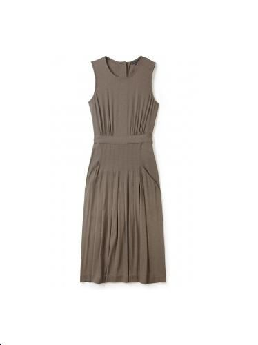 """<p>New York brand Theory make modern day classics and this taupe button back shift dress is no exception. Wear with a jacket on top for job interviews and add statement necklace and heels when you head out for drinks after work</p>  <p>Tenois button back shift dress by Theory, was £330, now £230,<a href=""""http://www.my-wardrobe.com/theory/tenois-button-back-shift-dress-960317"""" target=""""_blank"""">my-wardrobe.com</a></p>"""