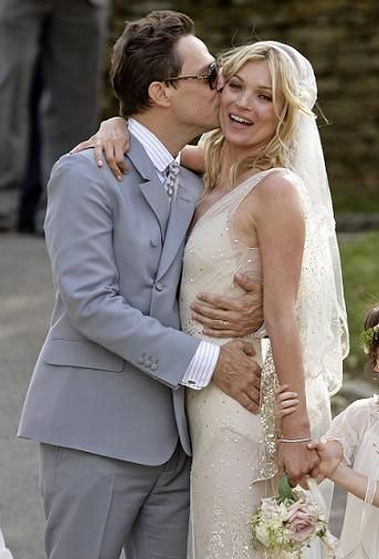 <p>It was the moment we've all been waiting for, Kate Moss settling down with her rocker beau Jamie Hince.  The bride looked stunning in a flowing cream dress by designer John Galliano and the groom looked gorgeous in grey. Among the celeb guests were Sadie Frost, Jade Jagger and fellow supermodel Naomi Campbell</p>