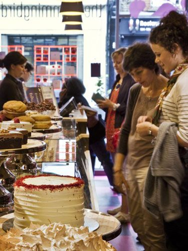 """<p style=""""margin: 0in&#x3B; font-family: Arial&#x3B; font-size: 12pt&#x3B;""""> </p><p style=""""margin: 0in&#x3B; font-family: Arial&#x3B; font-size: 12pt&#x3B;""""><strong>The Hummingbird Bakery Islington, 405 St John St,</strong> <strong>London, EC1V 4AB</strong></p><p style=""""margin: 0in&#x3B; font-family: Arial&#x3B; font-size: 12pt&#x3B;""""> </p><p style=""""margin: 0in&#x3B; font-family: Arial&#x3B; font-size: 12pt&#x3B;""""><a href=""""http://hummingbirdbakery.com/"""" target=""""_blank"""">The Hummingbird Bakery</a> will be opening its fifth London-based branch in Islington at 11am on Friday 27 January 2012.</p><p style=""""margin: 0in&#x3B; font-family: Arial&#x3B; font-size: 12pt&#x3B;""""> </p><p style=""""margin: 0in&#x3B; font-family: Arial&#x3B; font-size: 12pt&#x3B;"""">The Hummingbird Bakery plans to open more stores nationwide later in the year. We'll make sure you're the first to hear about it when they do.<br /> </p><p style=""""margin: 0in&#x3B; font-family: Arial&#x3B; font-size: 12pt&#x3B;"""">In celebration of the new Islington branch, the bakery will be giving away free cupcakes to the first 1000 customers who walk through the door on Friday the 27th of January.</p><p style=""""margin: 0in&#x3B; font-family: Arial&#x3B; font-size: 12pt&#x3B;""""> </p><p style=""""margin: 0in&#x3B; font-family: Arial&#x3B; font-size: 12pt&#x3B;"""">See you there!</p><p> </p>"""