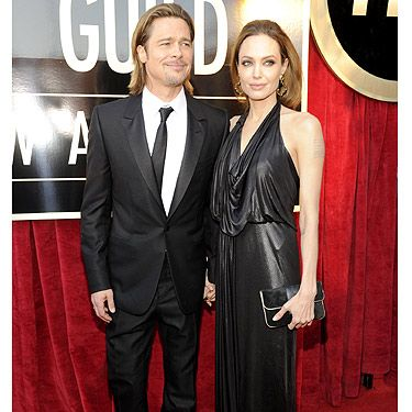 When does Angelina Jolie not look good? Never! Ange chose a Jenny Packham dress and vintage jewellery for the awards show which celebrates her fellow actors