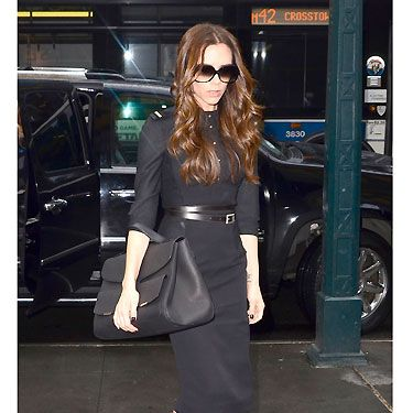 <p>La Posh has been terribly busy taking NYFW by storm and this super-chic black outfit teamed with sky-high Louboutins and mahoosive clutch certainly ticked our style box. Nice work VB!</p>