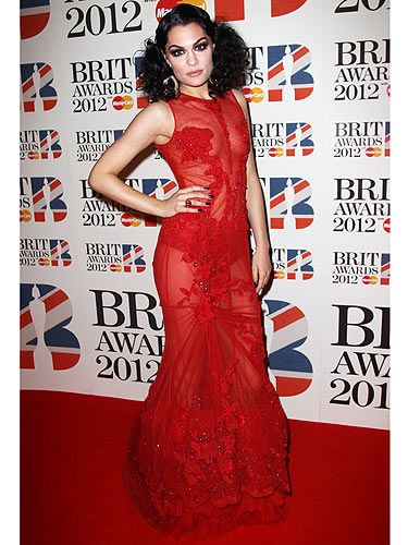 Someone call the fire brigade, Jessie J is red hot at The BRITs. Seriously, red is totally Jessie's colour